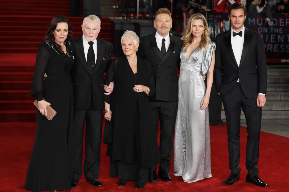 Sergei Polunin, Olivia Colman, Derek Jacobi, Dame Judi Dench, Kenneth Branagh, Michelle Pfeiffer y Tom Bateman, en el estreno de Asesinato en Orient Express, en Reino Unido.