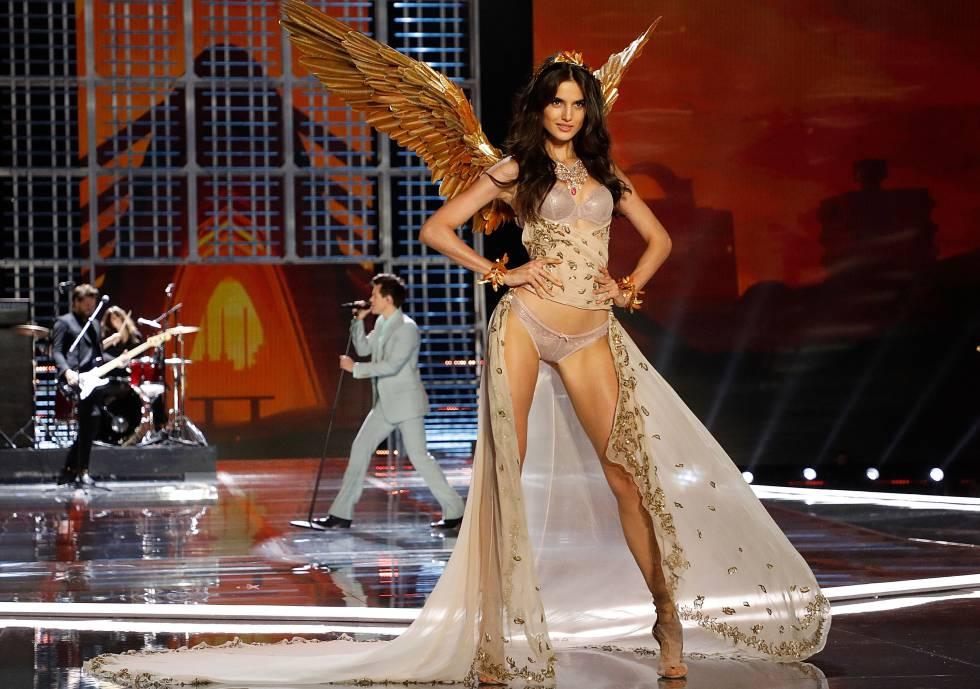 Blanca Padilla, en el desfile de Victoria's Secret el lunes.