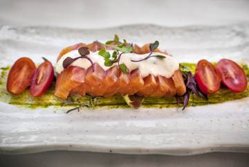 Víctor Membibre's salmon marinated with jade sauce and horseradish.