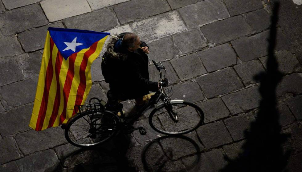 3b664e1a1 More information. Just a quarter of Catalans want to continue with current  secession strategy