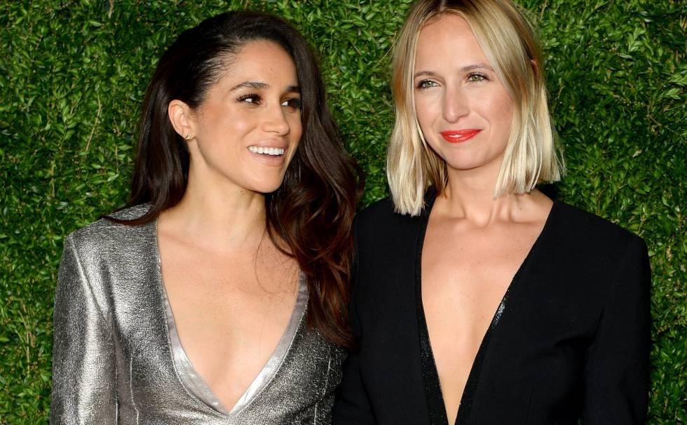 Meghan Markle y, a la derecha, Misha Nonoo, en los premios CFDA Vogue Fashion Fund en noviembre de 2015 en Nueva York.
