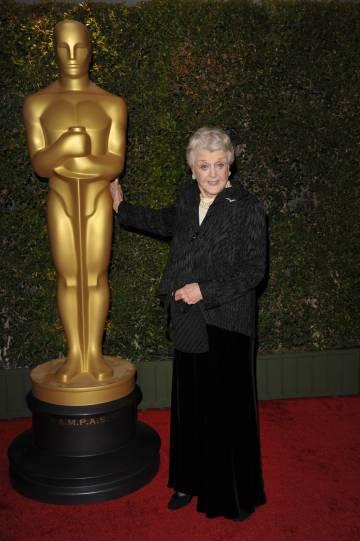 La actriz Angela Lansbury en la gala de los premios honoríficos de los Oscar de 2013.