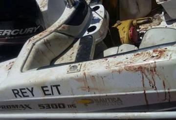 Estado de la lancha en la que llegó Matías Messi al puerto deportivo de Fighiera, próximo a Rosario.