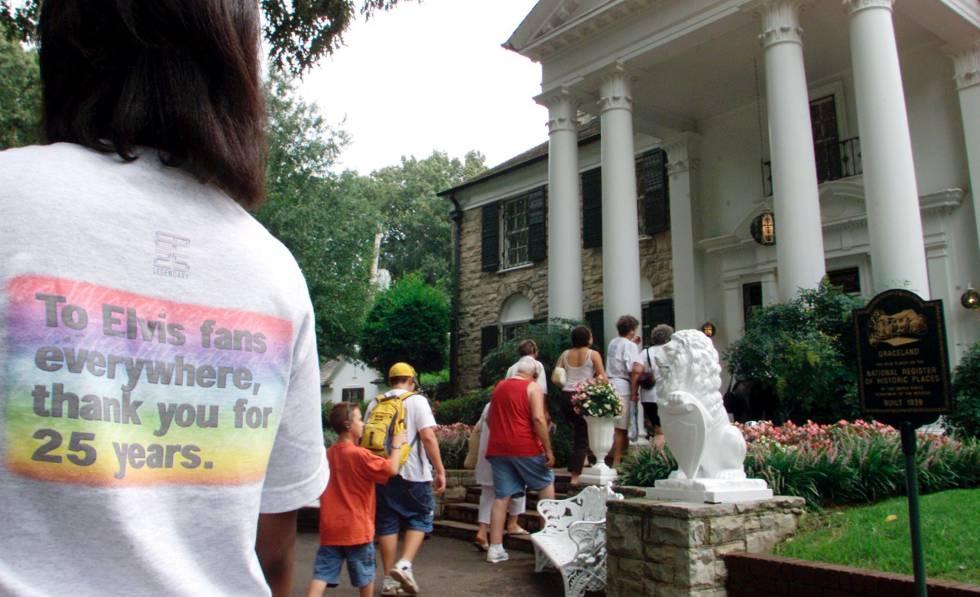 Visita guiada en la mansión de Graceland.