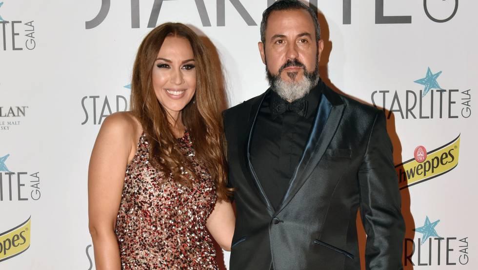 Mónica Naranjo y su marido Óscar Tarruella en la pasada gala Starlite en Marbella en agosto.