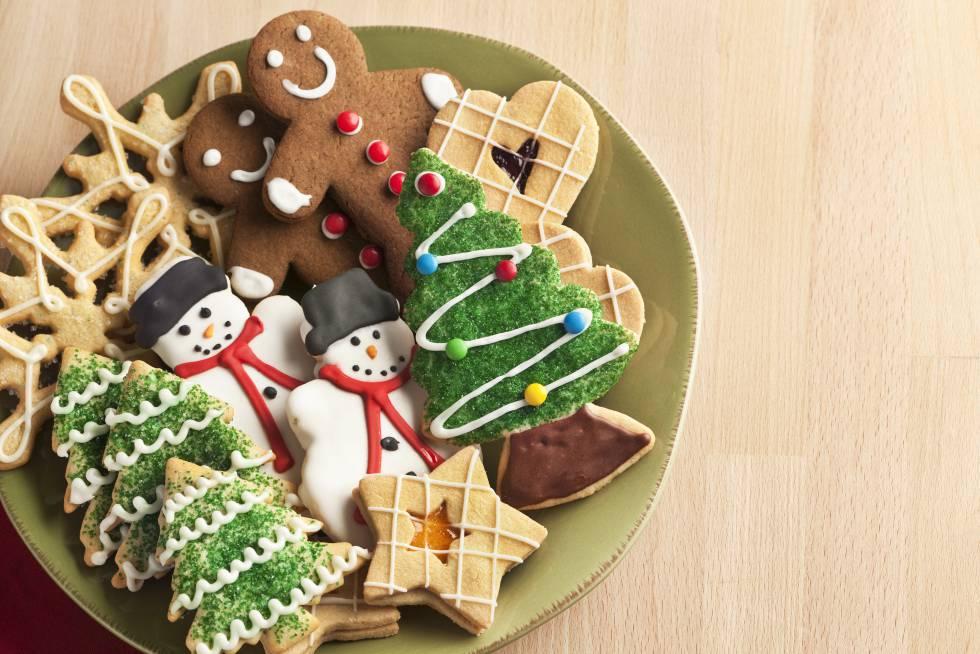 Plato con dulces navideños.