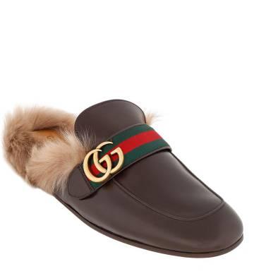 Zapato felpudo de Gucci.