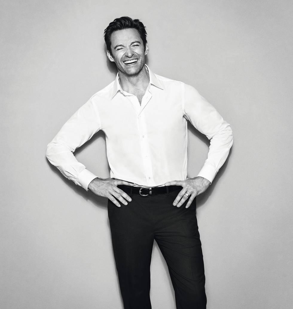 Hugh Jackman posa en Exclusiva para ICON con camisa y pantalón Brioni y cinturón Montblanc.