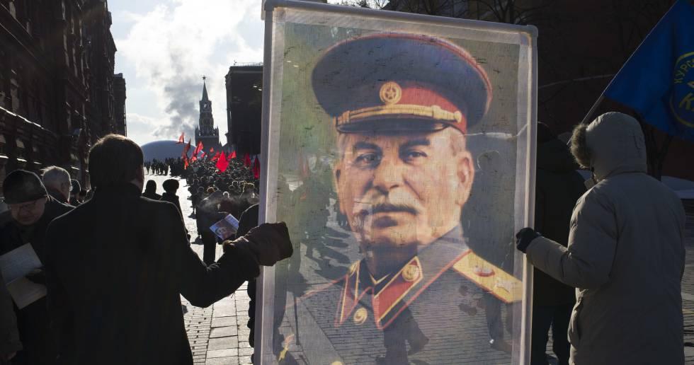 Manifestación de apoyo a Stalin en la Plaza Roja