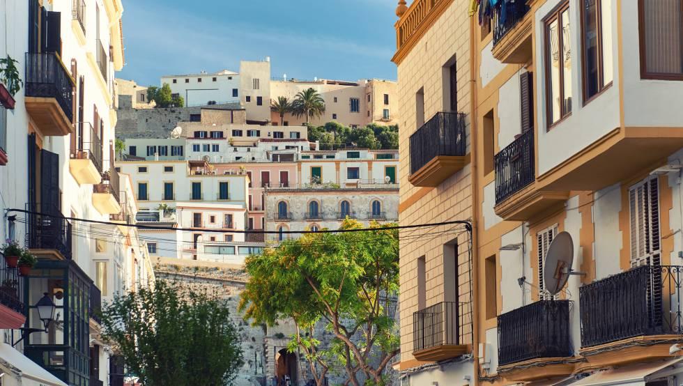 Vista de un barrio de Ibiza.