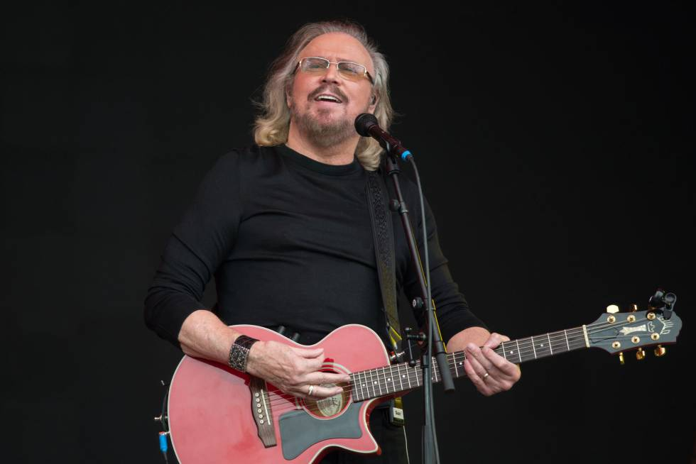 Barry Gibb de los Bee Gee.
