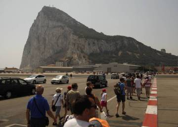 Spain wary after UK mentions Gibraltar in key Brexit document
