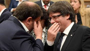 Oriol Junqueras (left) and Carles Puigdemont.
