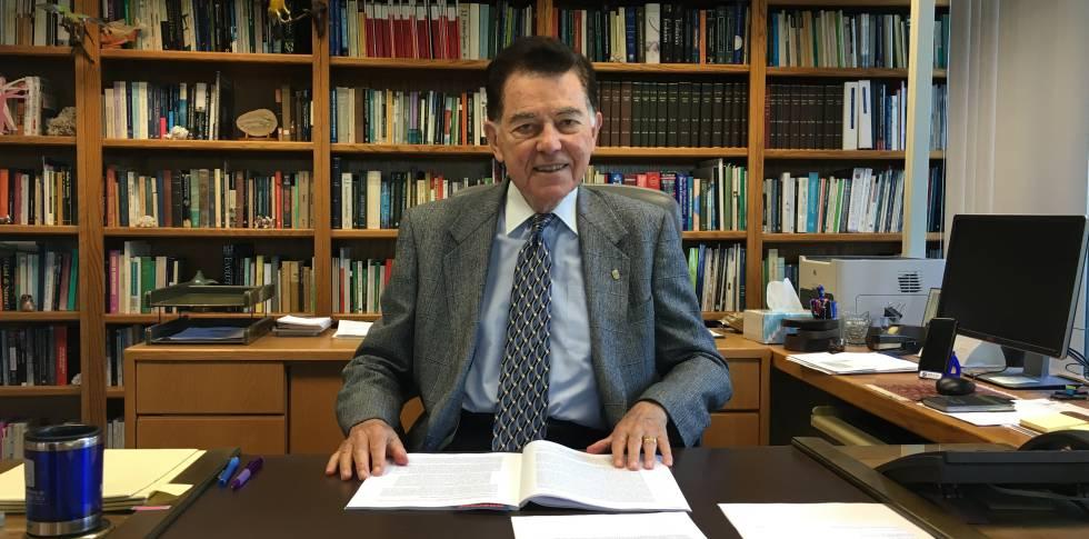 """Francisco J. Ayala: """"Podremos curar personas clonando células ..."""