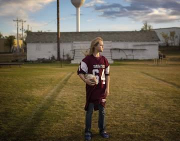 Rachel Boesem juega en un equipo de fútbol americano de la zona. Nació con síndrome alcohólico fetal.