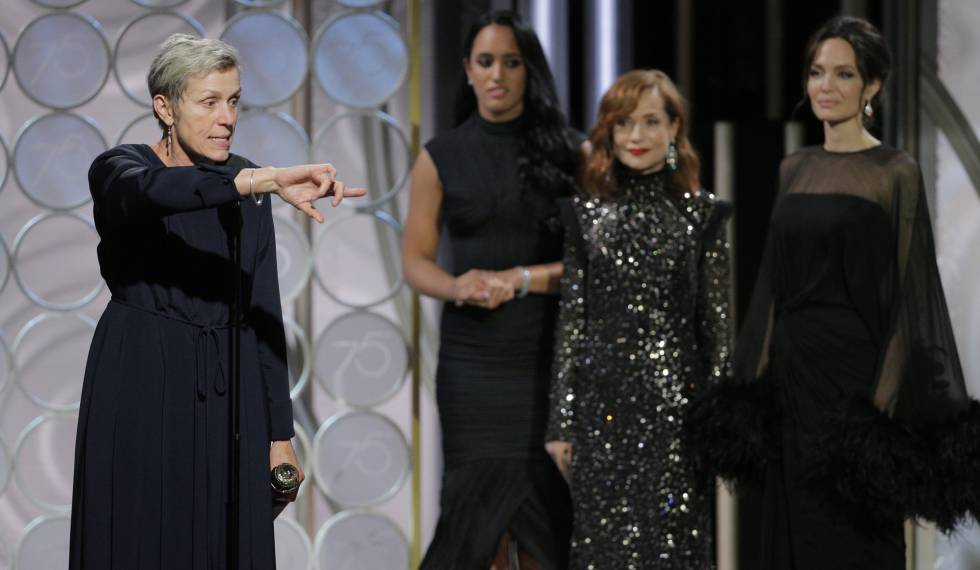 Frances McDormand tras recibir su premio en los Globos de Oro.