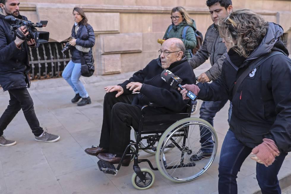 Félix Millet, el principal encausado del caso Palau, a la salida de la Audiencia Provincial de Barcelona donde se la ha comunicado la sentencia de 9 años y 8 meses de prisión.