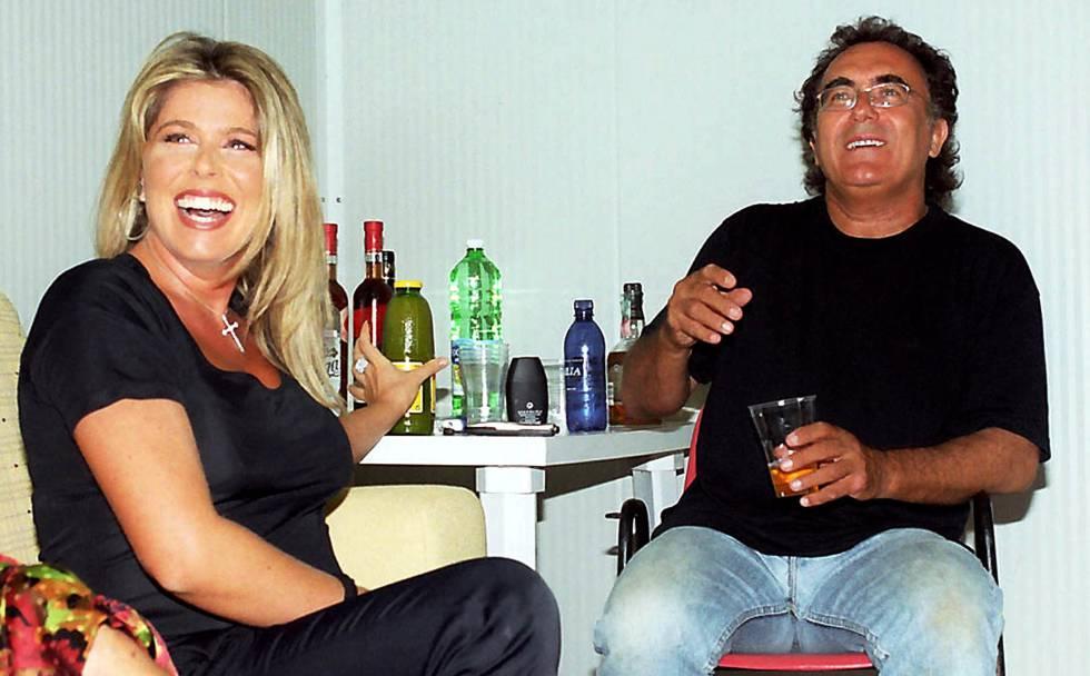 Albano con Loredana Lecciso en una imagen de 2002.