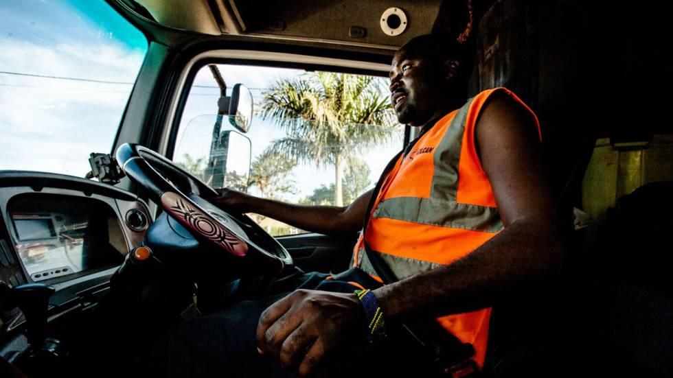 f8fc184416d Tudo que poderia acontecer a você se fosse um caminhoneiro na África ...