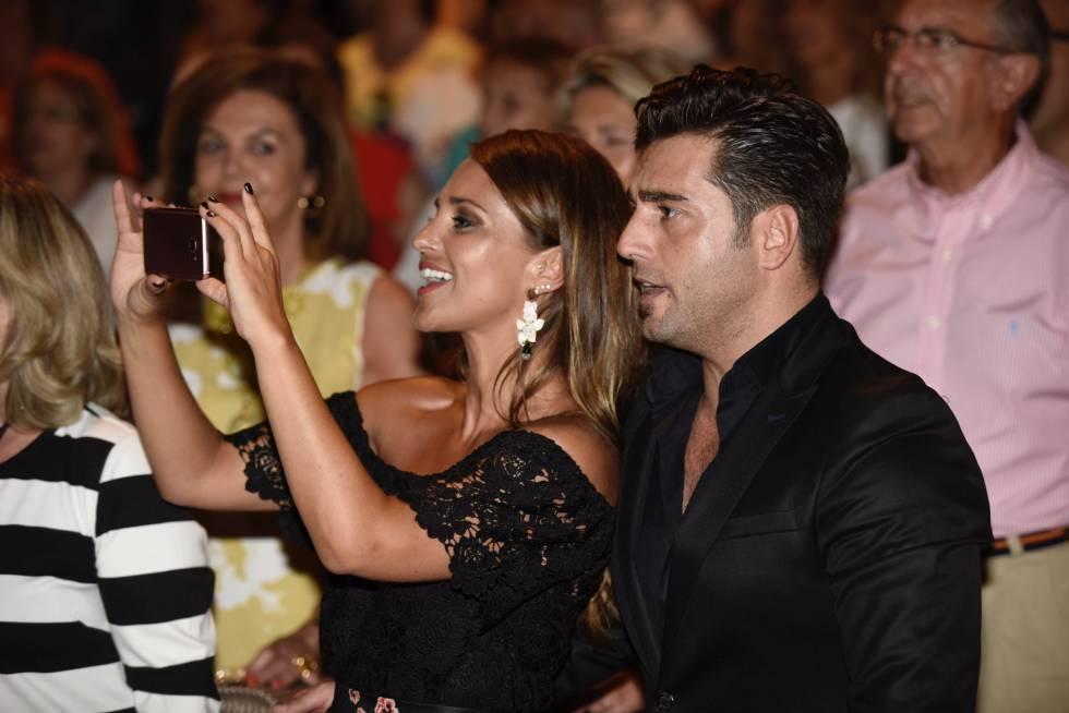 Bustamante y Paula Echevarría en Mieres, en 2016.