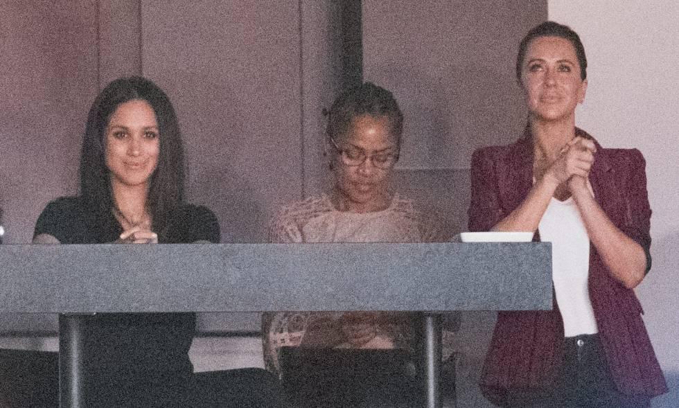 Meghan Markle con su madre, Doria Ragland, y Jessica Mulroney, en el palco de los Juegos Invictus organizados por Enrique de Inglaterra el pasado septiembre en Toronto.