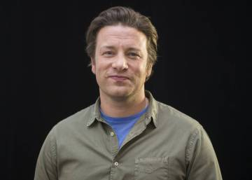 Jamie Oliver's paella tweet sparks anger, hilarity and political analysis