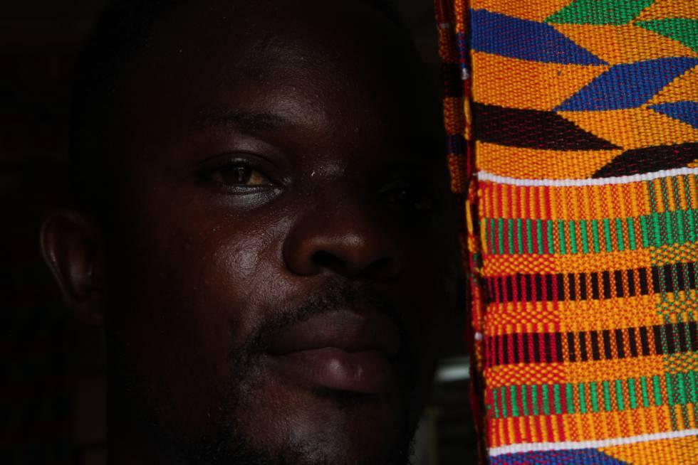 Tejido kente, caracteristico de los pueblos ashanti y ewe de Ghana.