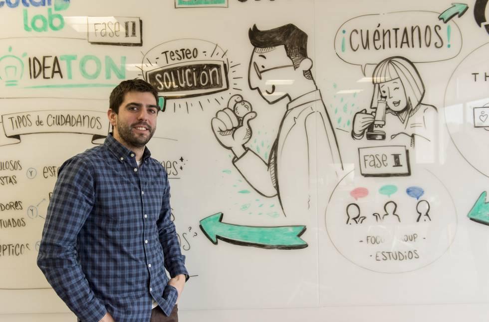 """Jesús Aguirre, especialista en innovación, trabaja en el desarrollo de una """"planta 4.0"""" de gestión de residuos."""
