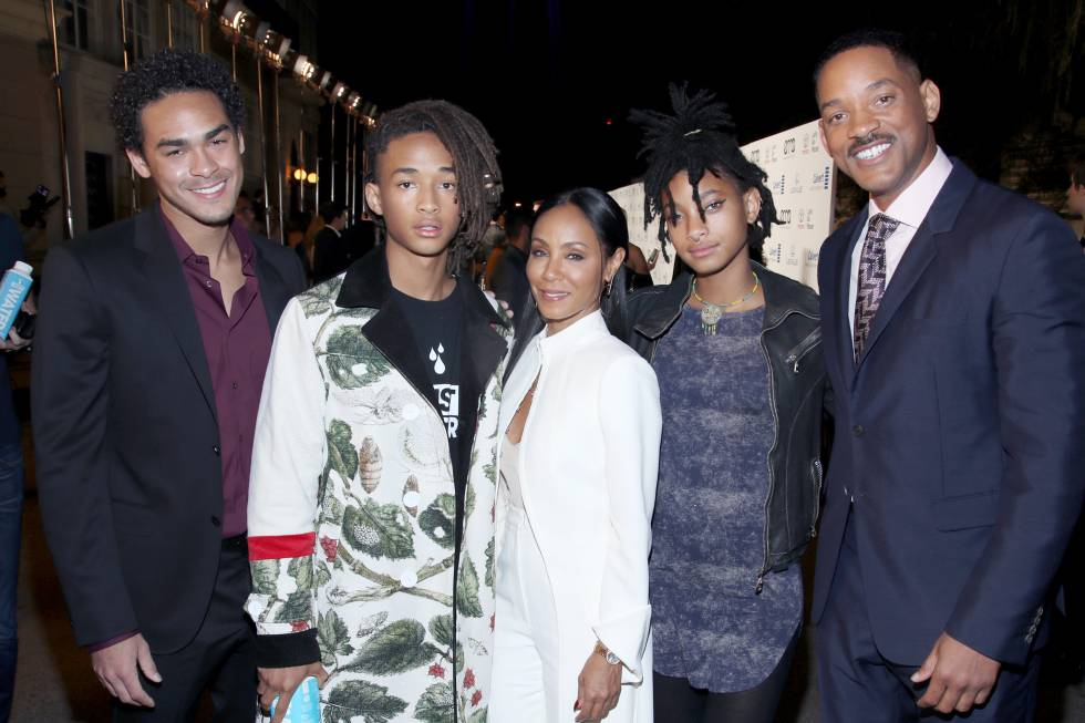 Trey Smith (hijo mayor de Will, de su primer matrimonio), Jaden Smith, Jada Pinkett Smith, Willow Smith y Will Smith.