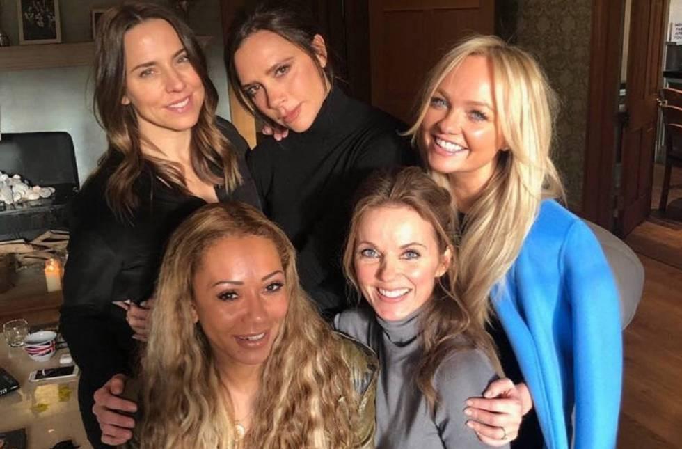 Las Spice Girl al completo: Mel C, Victoria Beckham, Emma Bunton, Geri Halliwell y Mel B, en su reciente reunión en casa de en la casa de Geri en Londres.