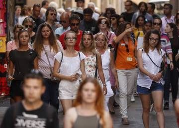 Tourist arrivals in Catalonia see 13.9% year-on-year fall in December