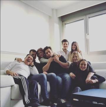 David Bustamante con su hija Daniella y su familia en una foto de Instagram.