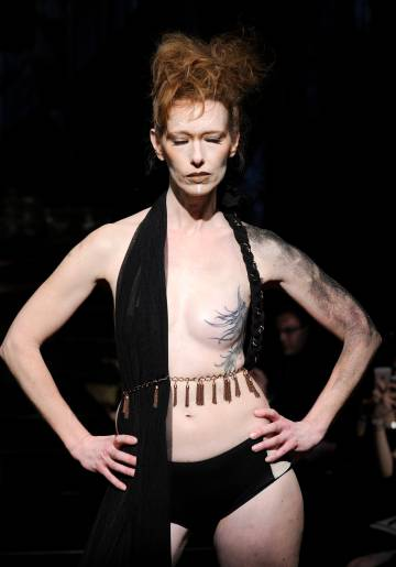 Imagen del desfile de Ana Ono Intimate en la New York Fashion Week.