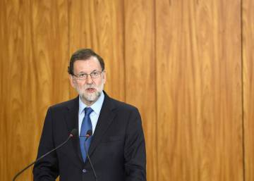 Spanish PM silent on corruption after ruling party veteran steps down