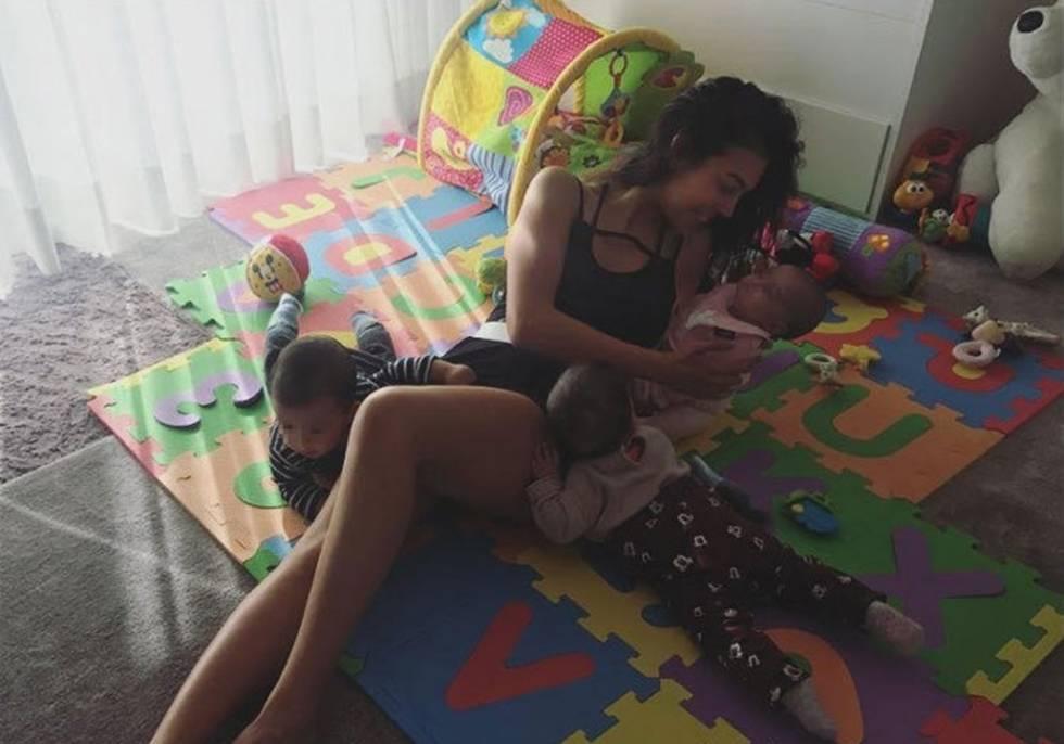 Puedes Hacer Ejercicio Con Tu Bebé Como Georgina Rodríguez Mientras Respetes Su Desarrollo Mamás Y Papás El País