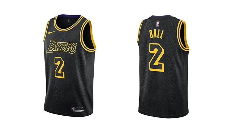 32d3ed2b2 Estas son 10 de las camisetas más vendidas de la NBA