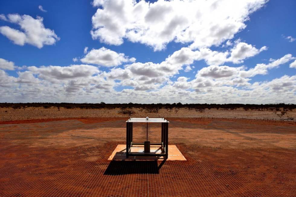 El detector empleado para captar la señal instalado en el Observatorio de Radioastronomía Murchison del CSIRO en Australia Occidental.