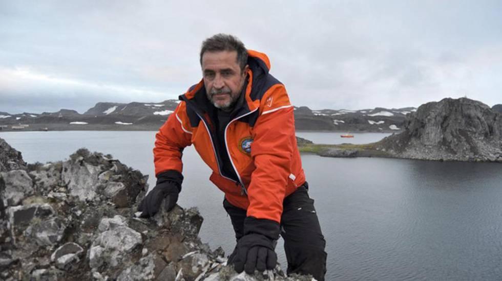 El capitán de fragata Javier Montojo Salazar fotografiado hace unos días durante la campaña antártica.