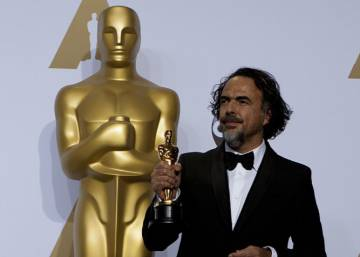 Mexico's Iñárritu takes second Oscar win in row in times of Trump