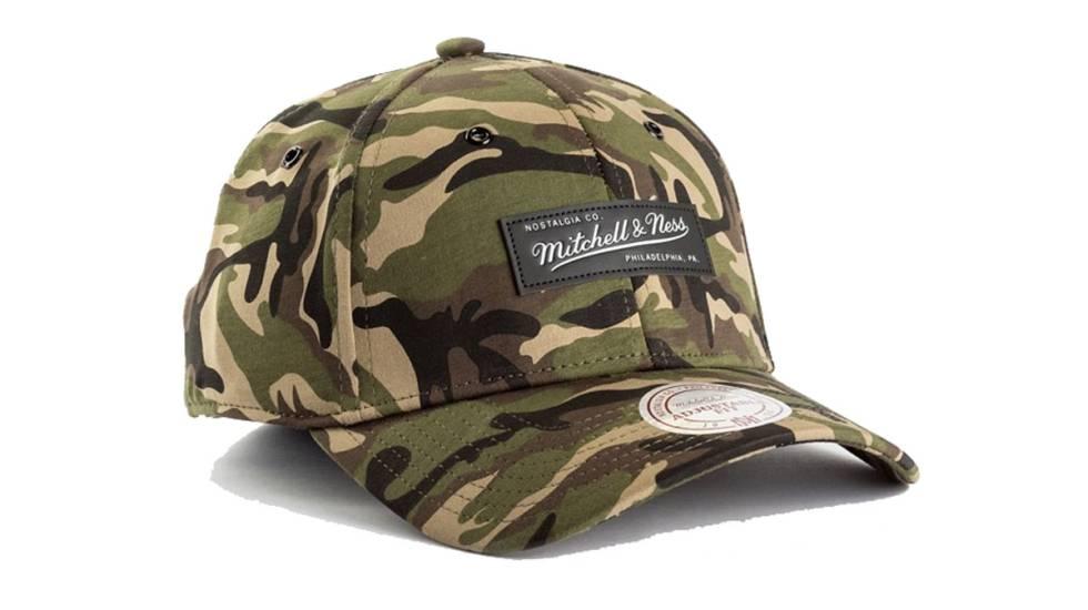 Diseño de camuflaje de Mitchell   Ness. Las gorras ... 69e37426beb