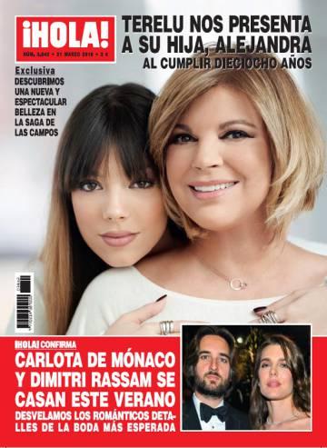 Terelu Campos y su hija Alejandra en la portada de '¡Hola!'.