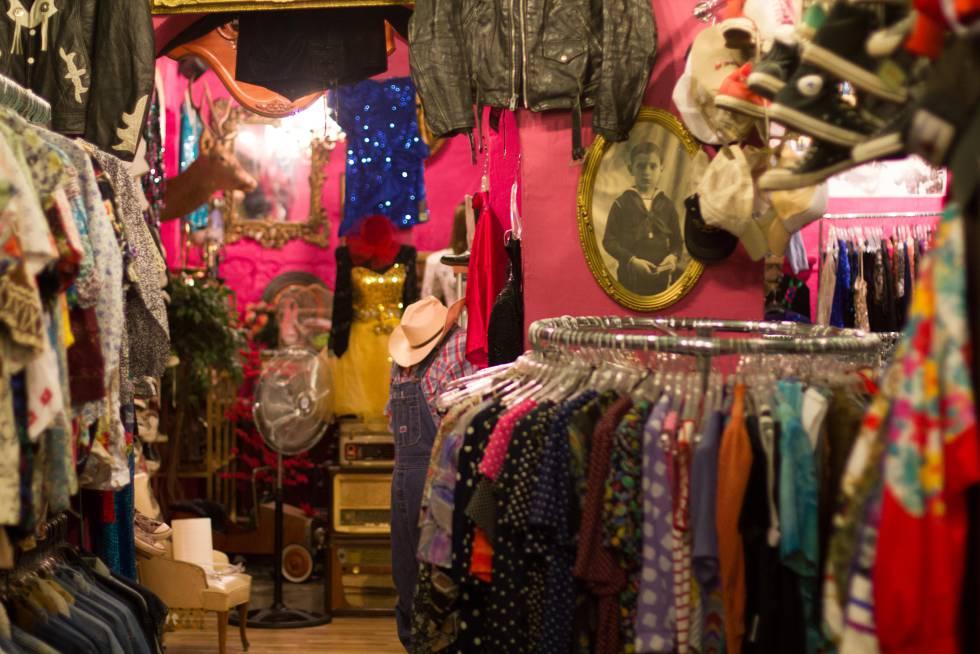 La ropa de segunda mano al peso seduce a los  millennials   b55340db060
