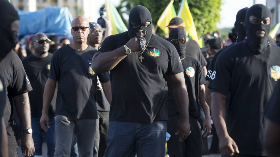 Marcha para reivindicar más seguridad y menos violencia en la Guayana Francesa.