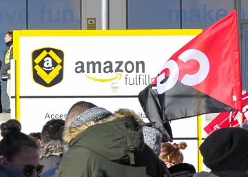 Unions hail success of ongoing strike at Amazon warehouse in Madrid