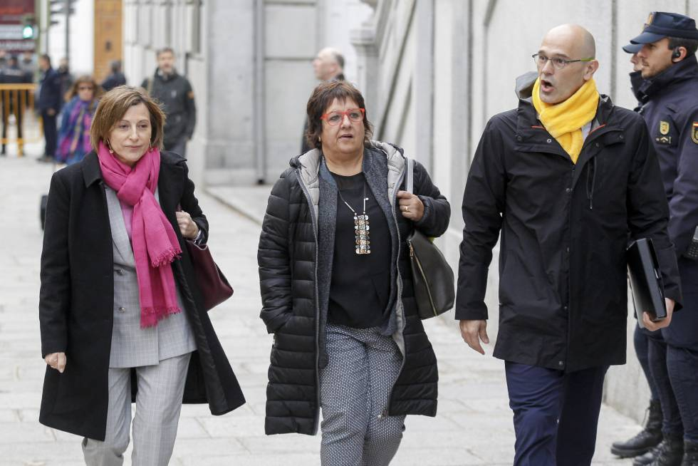 Carme Forcadell, Dolors Bassa and Raul Romeva arrive at the Supreme Court in Madrid on Friday.