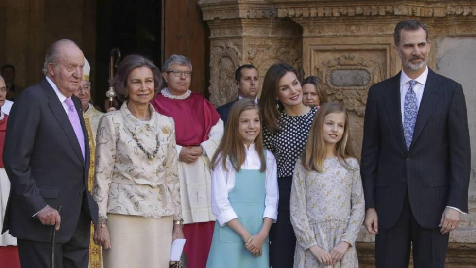 Tensa escena entre la reina Letizia y doña Sofía en la misa de Pascua en Palma