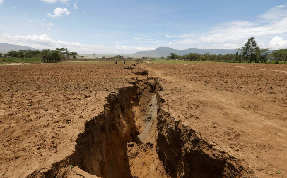La abertura se extiende durante varios kilómetros por el sur de Kenia.