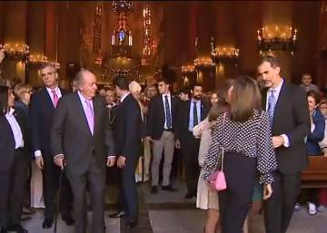 Video: Spain's Queen Letizia clashes with mother-in-law at Easter mass