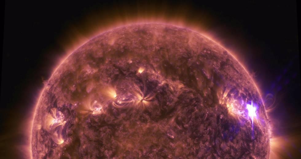 Una fulguración del Sol captada en abril de 2016.