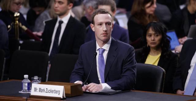 Mark Zuckerberg, durante su declaración en el Senado